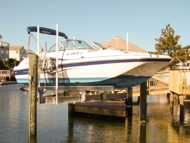 Specialty Boat Lifts - image Trident-3 on https://www.iqboatlifts.com