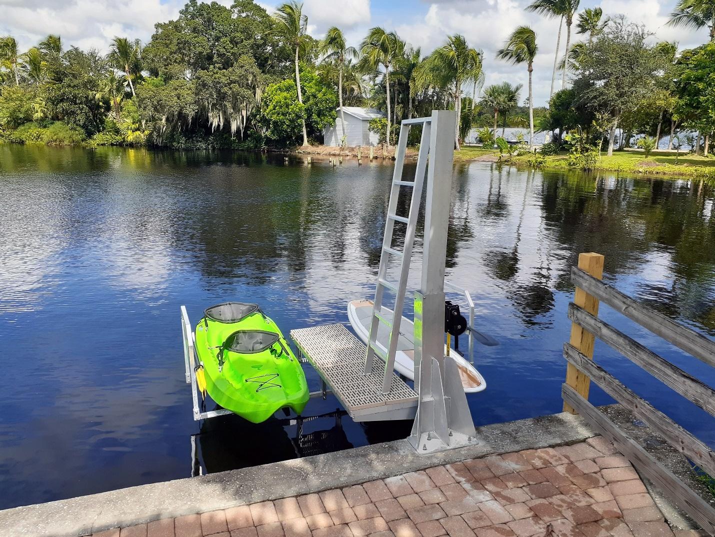 A Nice Property With Dual Kayak Lift
