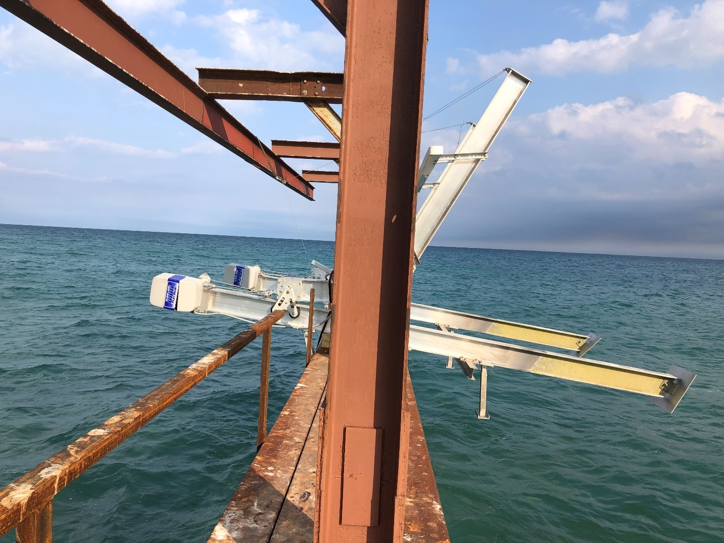 How To Protext Your Boat Lift during the winter