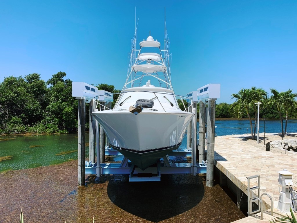 Titan Boat Lift For Yacht