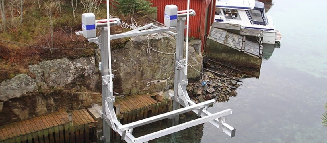 boat-lift-imm
